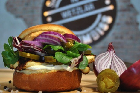 T.O. Guide: August's End - Crazy Burger from Pexels